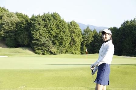 ゴルフ インパクトの瞬間の右手の使い方